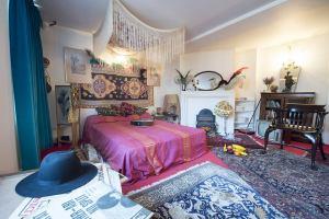 Великобритания: Квартира Джими Хендрикса стала музеем