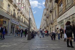 Италия: Турин сделает улицу Гарибальди пешеходной и подключит её к Интернету