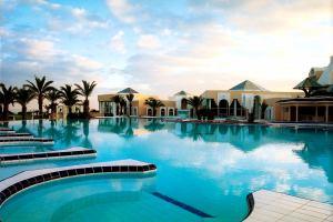 Тунис: Отели страны усиливают безопасность