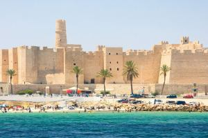 Тунис: Режим ЧС продлён до 22 марта